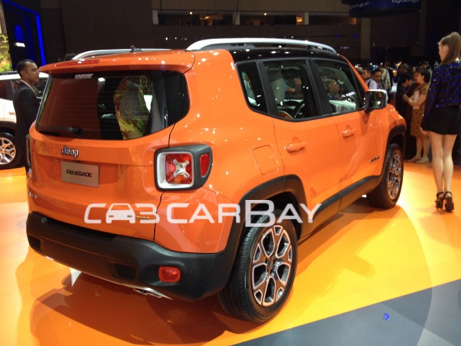 6-Jeep-Renegade-4