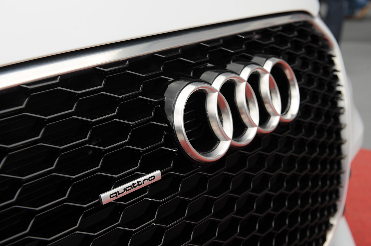 Audi Logo Wallpaper 04