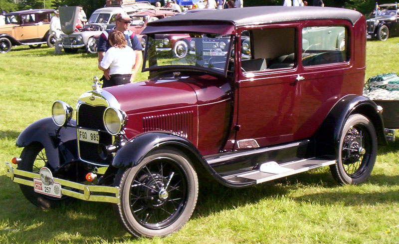 1928_Ford_Model_A_55A_Tudor_Sedan_FGO985