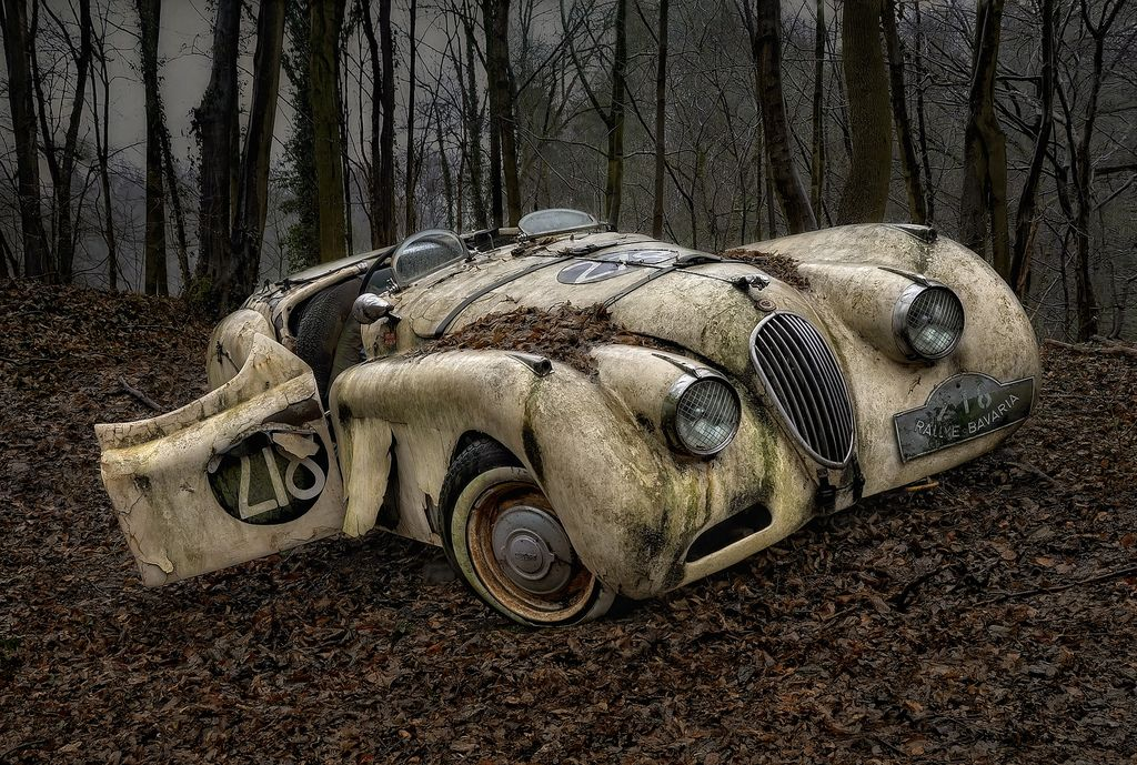 13 Abandoned Cars That Are Rusting In Piece Zigwheels
