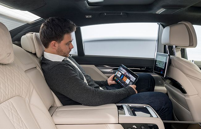 BMW-5-Series-Connected-Mobility-Amazon-02