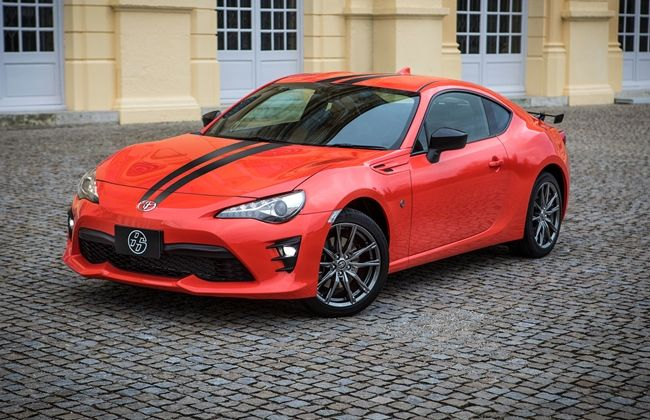 2017-Toyota-86-860-Special-Edition-front-three-quarter