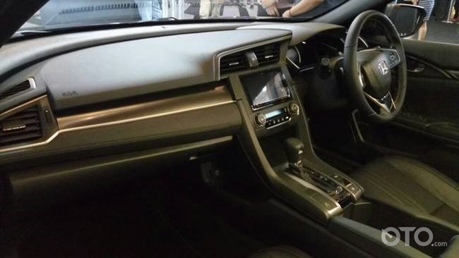 dashboard Civic hatchback