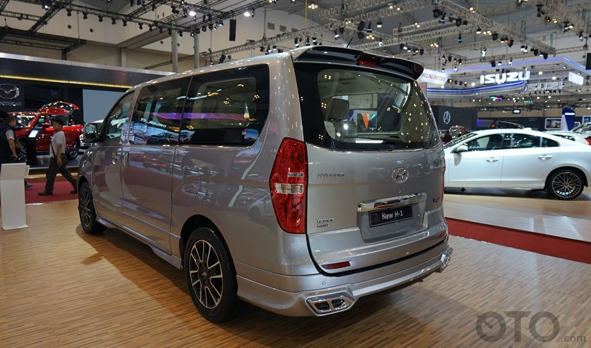 GIIAS-2017-2nd-Hyundai-H1 (1)-003