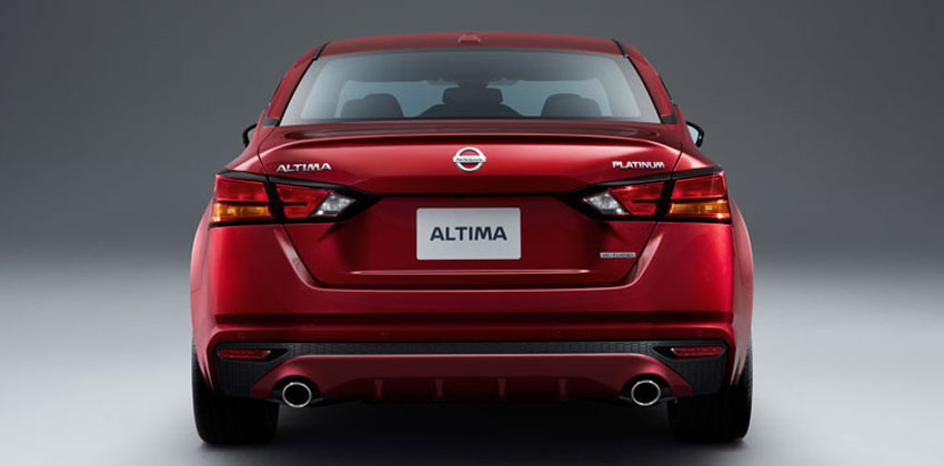 Nissan Altima rear